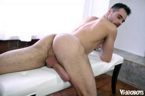 naked-hung-stud